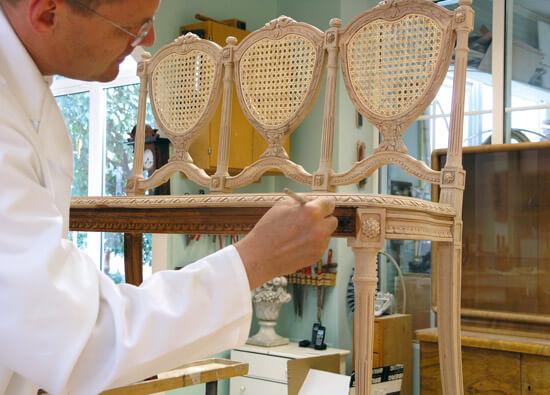 Image <p>Im Handwerksatelier erwachen Ihre Lieblingsstücke zu neuem Leben.</p>