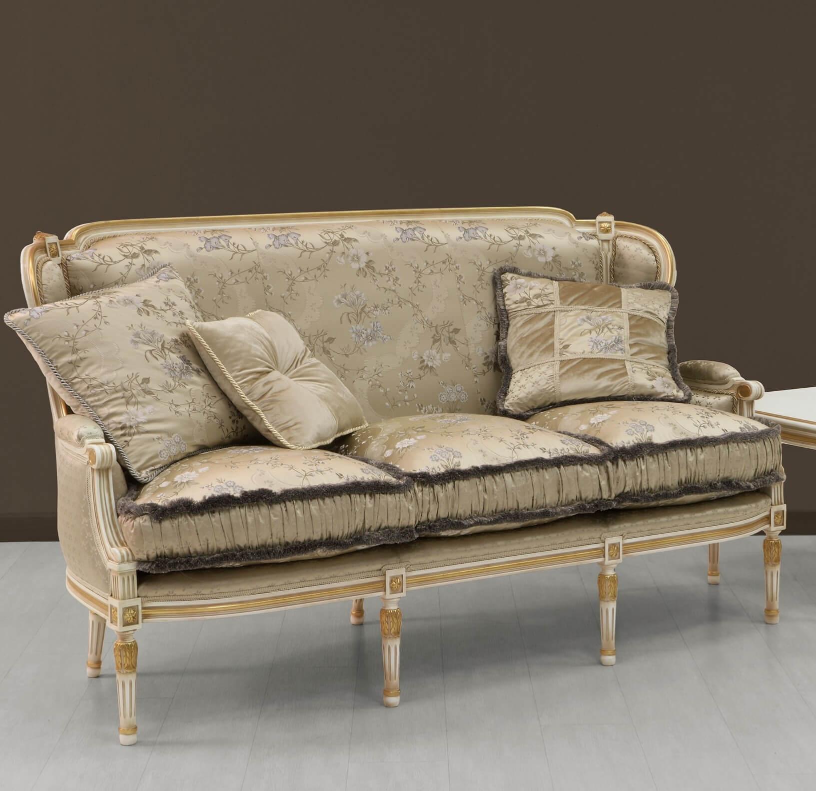 Sofa italienisch finest sofas designer vittorio right for Sofa italienisch