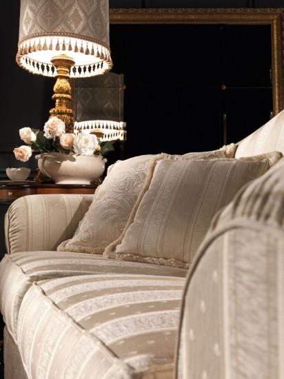sofa-klassisch-stilmoebel-creme-husse-mario-galimberti-elena-detail-2