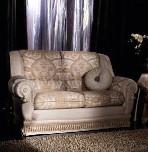 sofa-stilmoebel-klassisch-creme-2-sitzer-mario-galimberti-cinzia