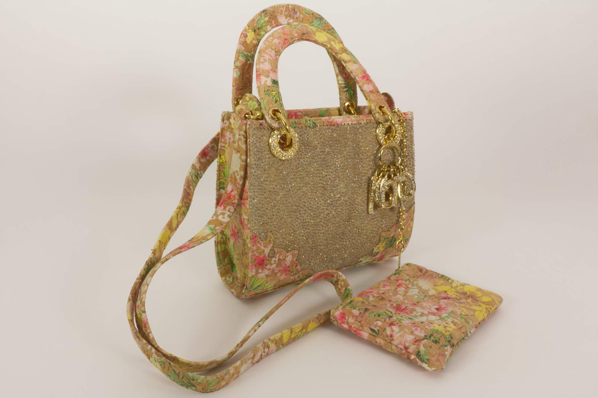 Damen Tasche von Fernando Pensato mit Schminktasche