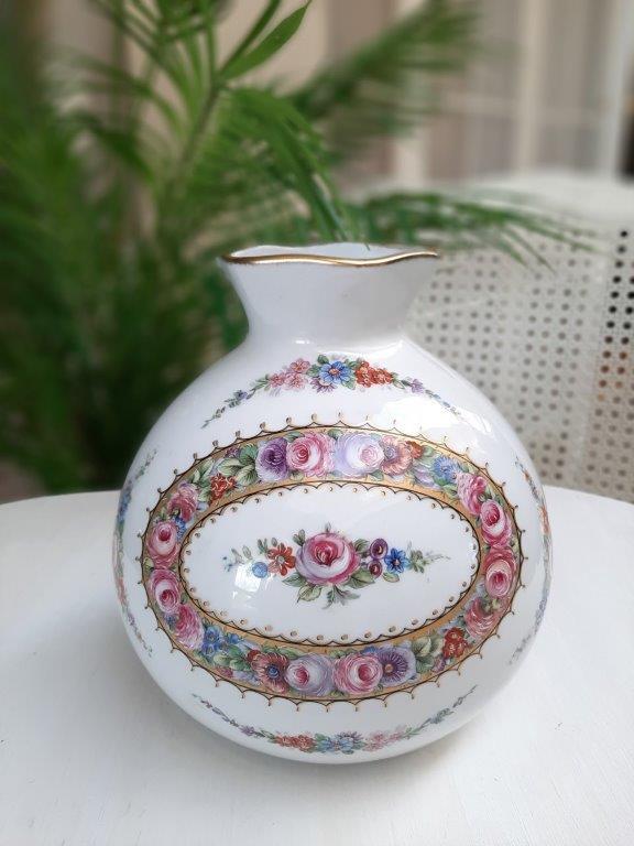 Aus Limoges, Frankreich, Vase