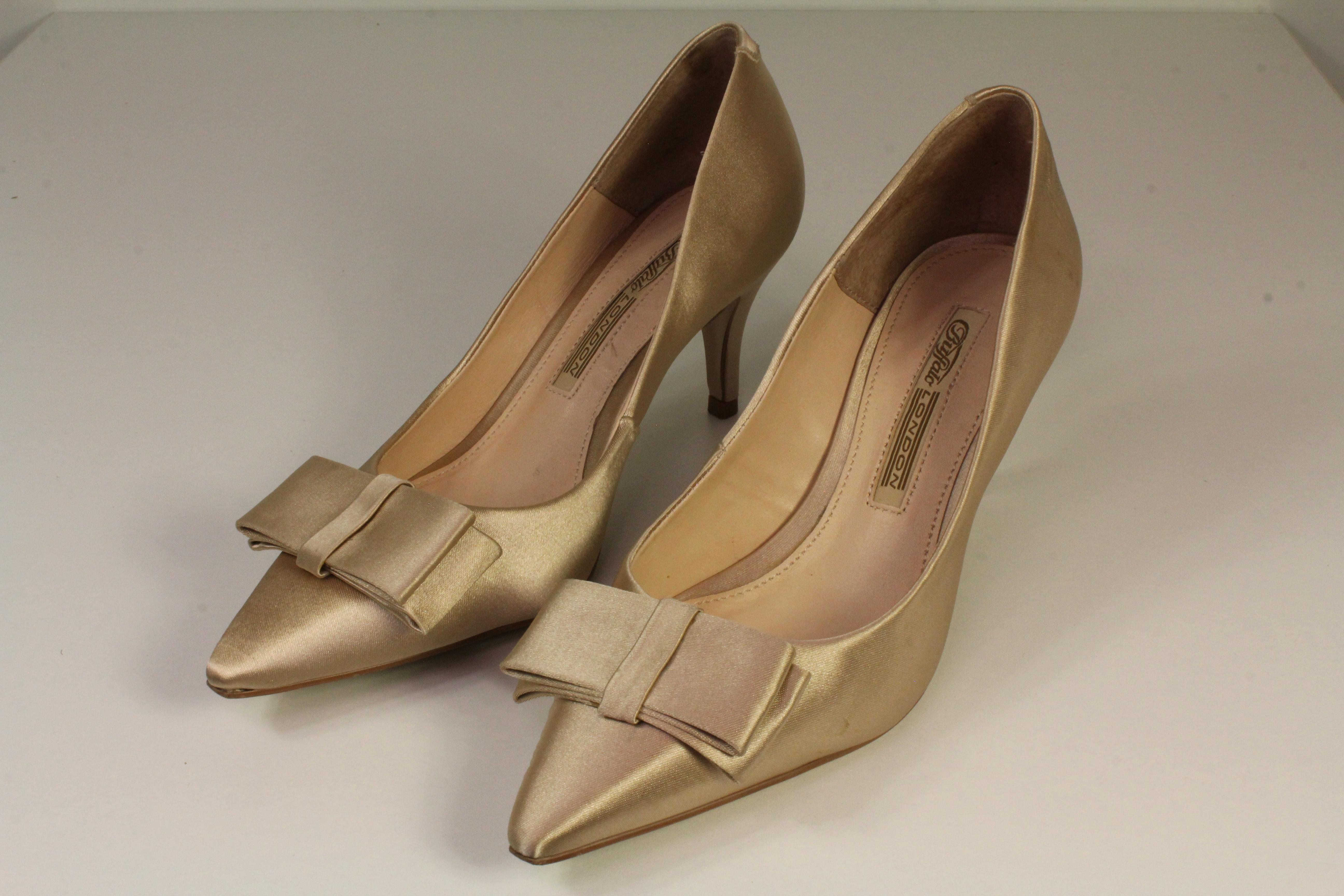 Buffalo London Pumps nude VERKAUFT!