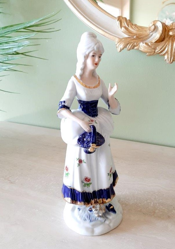 Dame im barocken Kleid