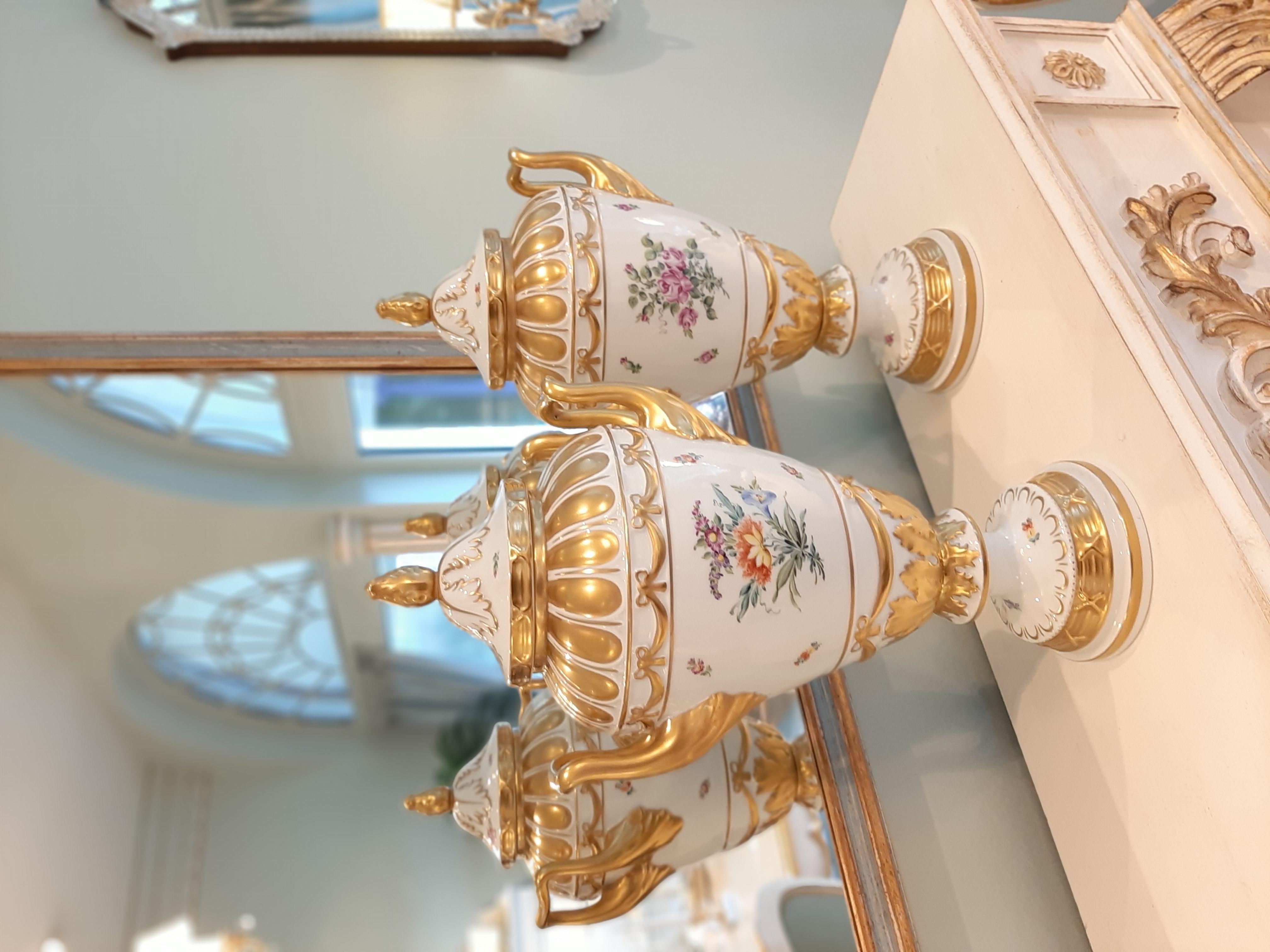 Ein Paar Meissen Porzellan Vasen
