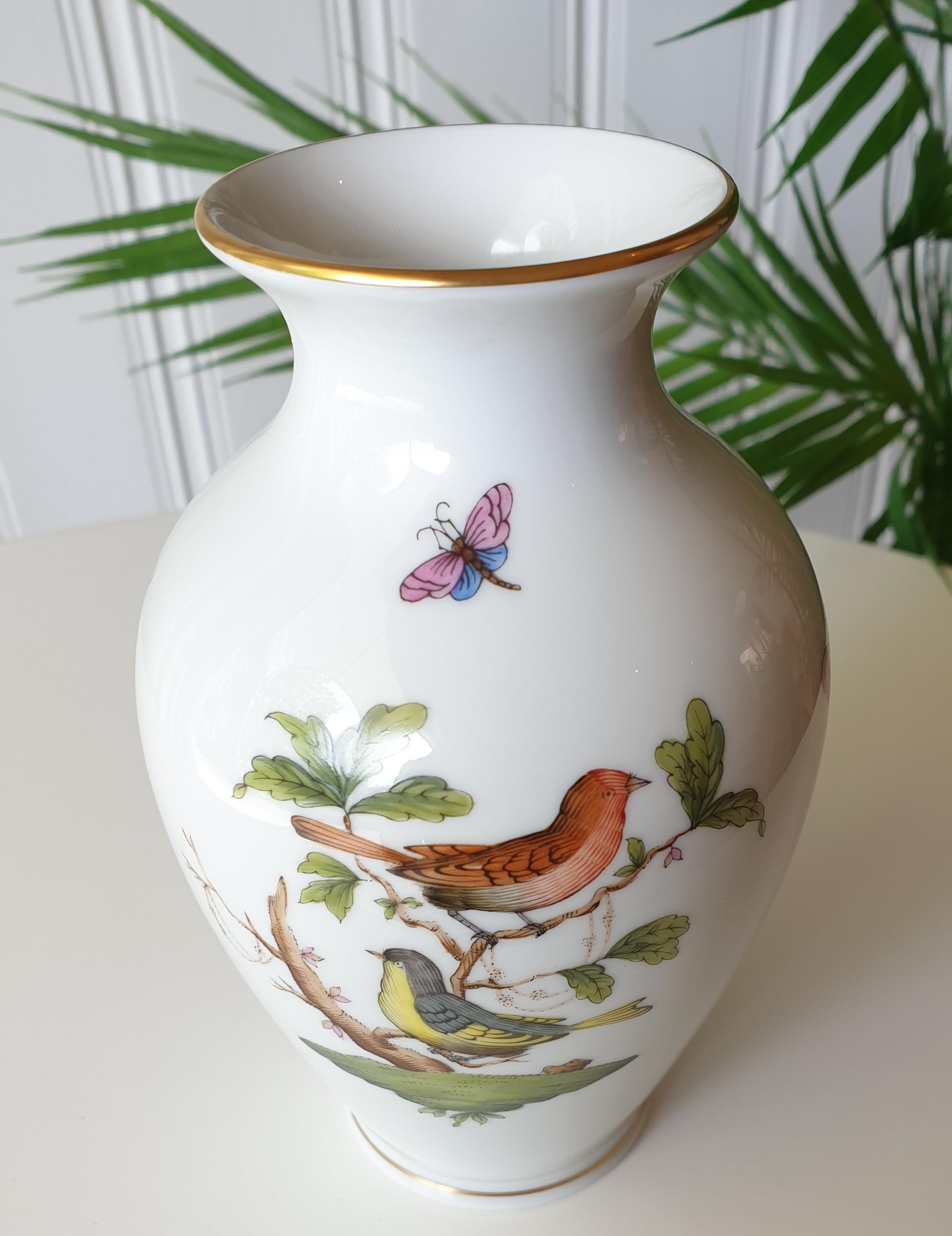 Vase im Rotschilddekor