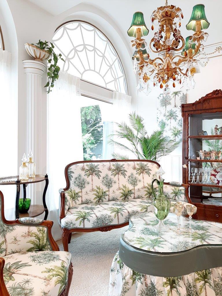 Sitzgarnitur, Polstermöbel aus dem 19. Jahrhundert
