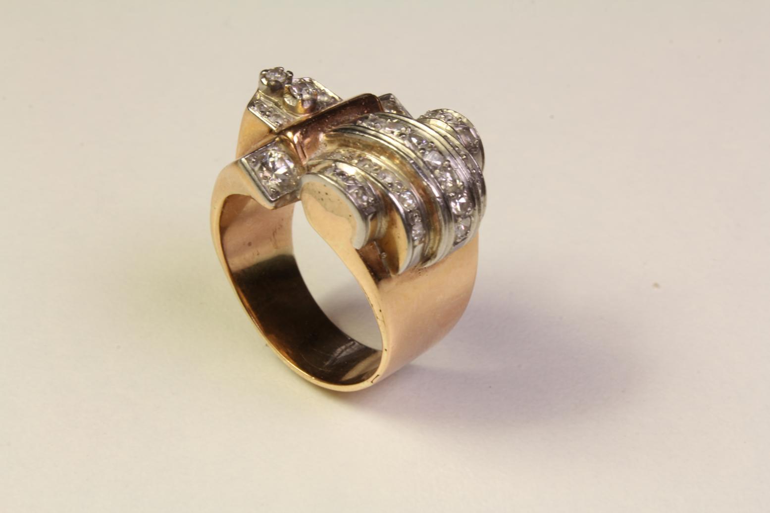 Antiker Ring mit Diamanten