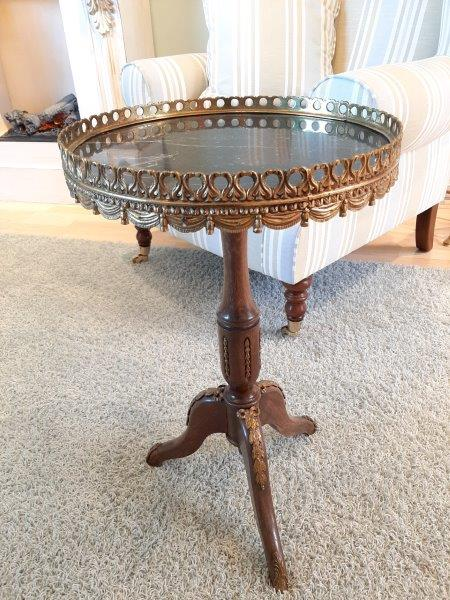 antikes Tischchen aus Frankreich