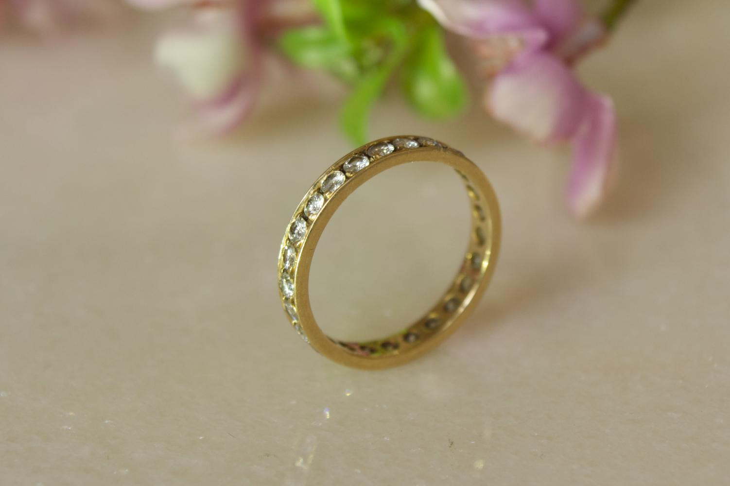 Memory Ring mit Brillanten in Gelbgold 750 gefasst in schöner Stimmung