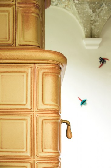 kaminofen-eckig-creme-gross-notalgisch-keramik-elisabeth-detail2